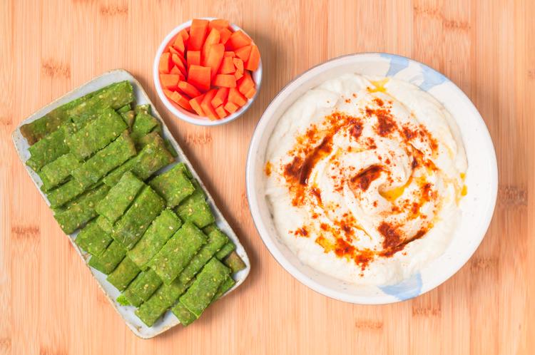 Hummus de coliflor sin garbanzos